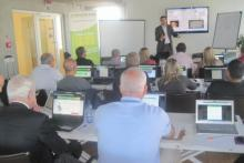 Nozioni di Webmarketing: Il Dott Gianni Bianchi introduce l'argomento SEO e posizionamento di un sito web agli studenti del seminario webmaster