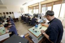 lezione all'interno del laboratorio di orologeria