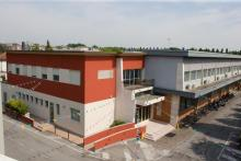 La ns sede di circa 4.300 mq suddivisa in 2 piani - ampio parcheggio - palestra e spazio esterno recintato per le attività ricreative