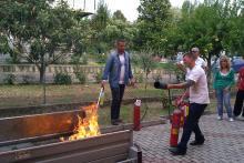 Prova pratica spegnimento - corso antincendio medio rischio